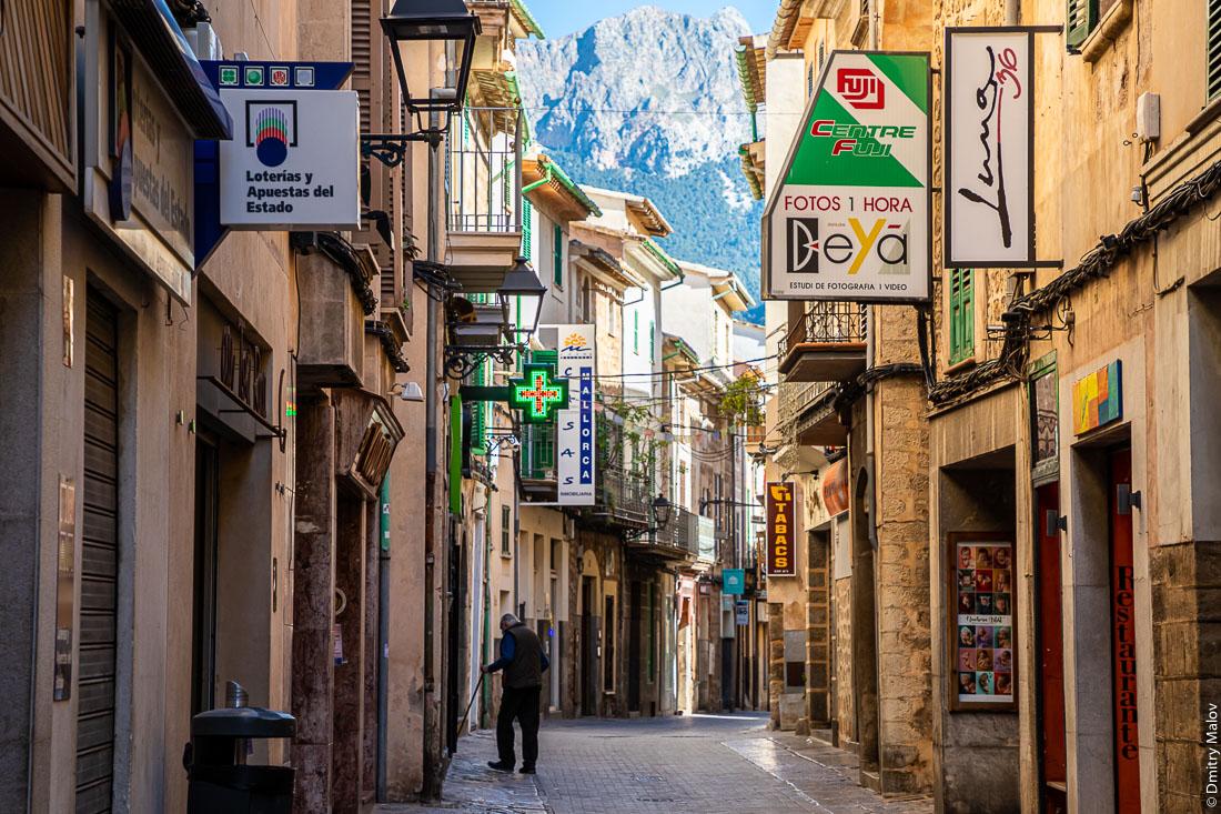 Город Сольер. Майорка, Испания.