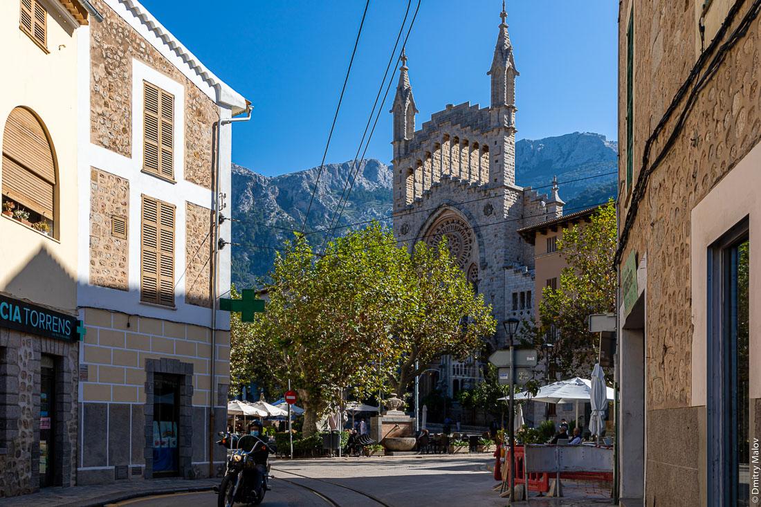 Город Сольер. Мальорка, Испания.