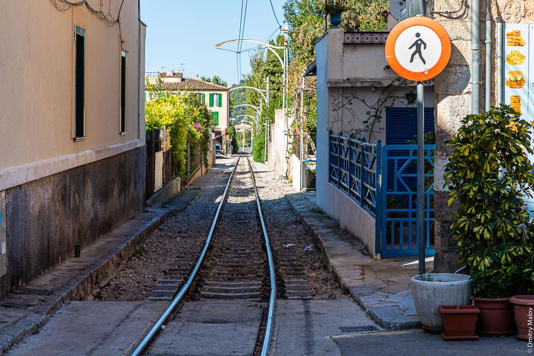 Трамвай Сольер - Порт-де-Сольер. Мальорка, Испания.