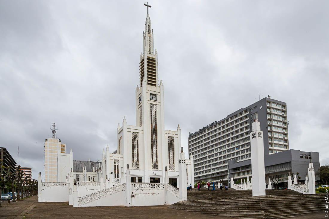 Кафедральный Собор Непорочного Зачатия Пресвятой Девы Марии, Мапуто, Мозамбик, Африка. Шедевр ар-деко