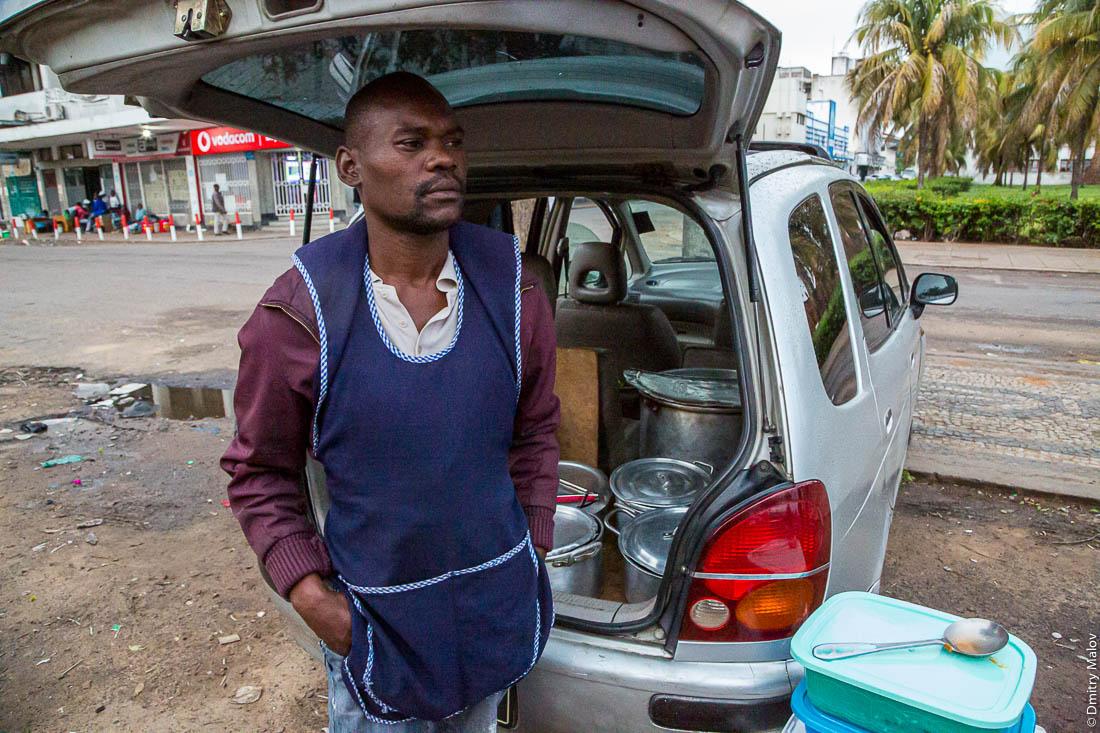 Уличная еда. Город Мапуто, Мозамбик, Африка