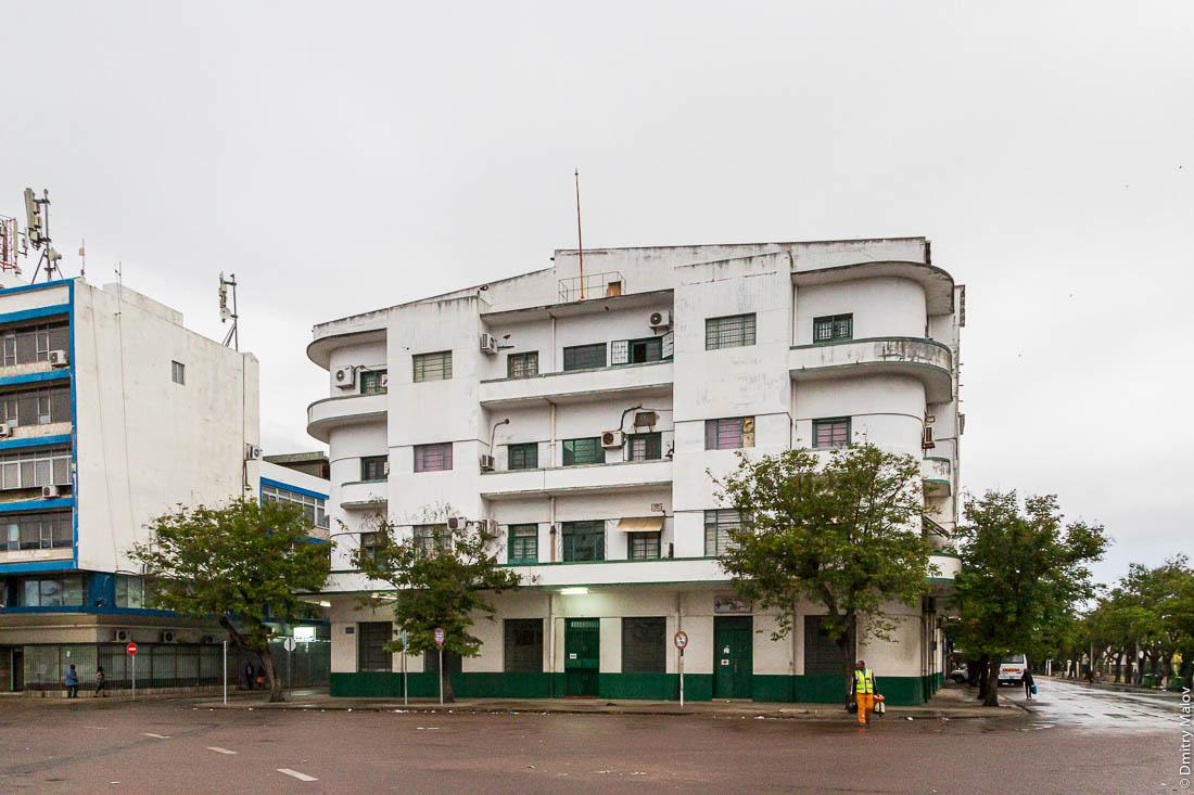 Мапуто, Мозамбик, Африка. Португальский колониальный дом в стиле ар-деко